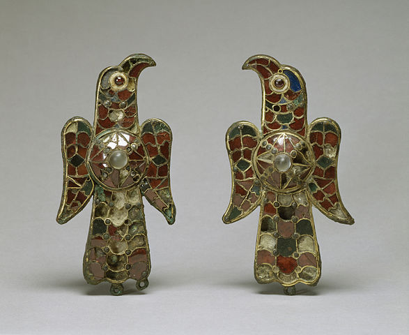587px-Visigothic_-_Pair_of_Eagle_Fibula_-_Walters_54421,_54422_-_Group